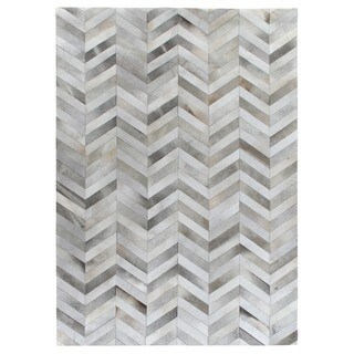 Exquisite Rugs Chevron Hide Silver / White Leather Hair-on-Hide Rug (13'6 x 17'6)