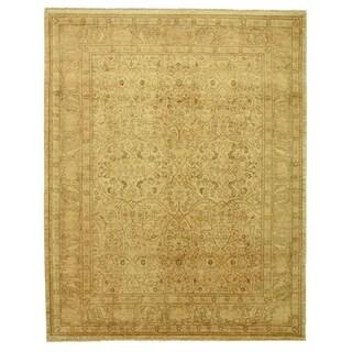 Millefleur Black / Light Green New Zealand Wool Rug (15'6 x 24'6)