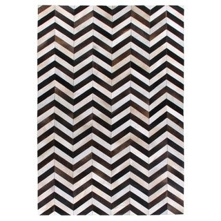 Chevron Hide Black / White Leather Hair-on Hide Rug (5' x 8')