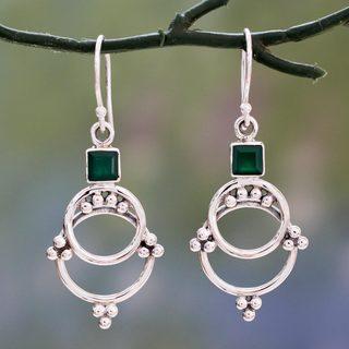 Handmade Sterling Silver 'Jaipur Magic' Green Onyx Earrings (India)