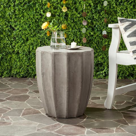 "Safavieh Jaslyn Concrete Indoor/ Outdoor Accent Table (Dark Grey) - 15.3"" x 15.3"" x 17.7"""