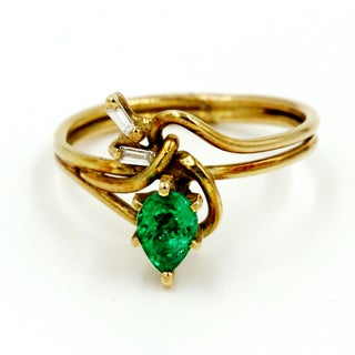 14k Yellow Gold 1/10ct TDW Diamond and Green Emerald Fashion Ring (G-H, I1)