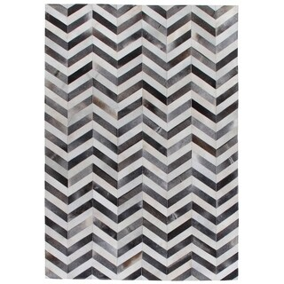 Exquisite Rugs Chevron Hide Grey / White Leather Hair-on Hide Rug (9'6 x 13'6) - 9'6'' x 13'6''