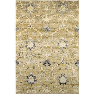 Artiste Hand-Knotted Green Embellishment Rug - 5'6 x 8'6
