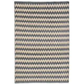 Chevron Grey Jute Handwoven Rug (4' x 6')