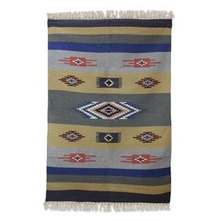 Handmade Symphony of Dawn Wool Dhurrie Rug (India) - 4 x 6