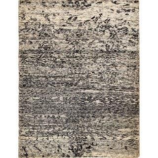 Sari Silk Harley Beige/Black Hand-knotted Viscose Rug (5'11 x 8'0)