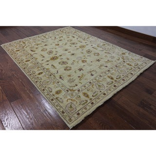 Oriental Peshawar Ivory Wool Hand-knotted Rug (5' 7 x 7' 3)