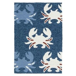 Indoor/Outdoor Beachcomber Crab Navy Rug (2' x 3')