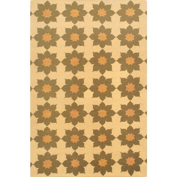 eCarpetGallery Beige Handmade Lahor Wool Sumak (3'9 x 5'9)
