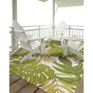 Indoor/Outdoor Beachcomber Leaves Green Rug (5'0 x 7'6)
