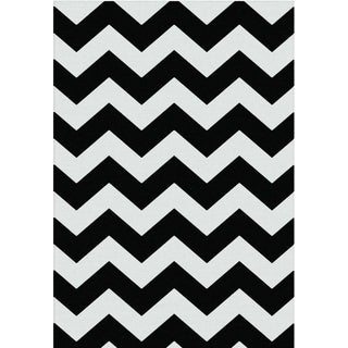 York Collection Black/Cream Polypropylene Contemporary Chevron Design Area Rug (5'3 x 7'3)