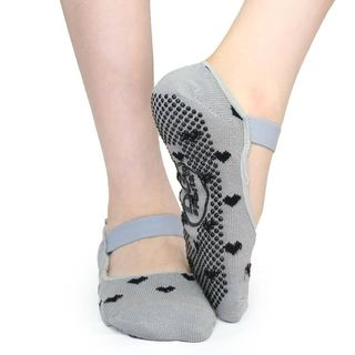 DG Sports Women's Grey With Black Hearts Cotton Yoga Mary Jane Non-slip Ankle Socks With Grips