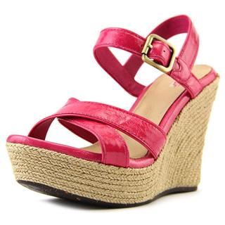 Ugg Australia Women's Pink 'Jackilyn' Patent Leather Sandals