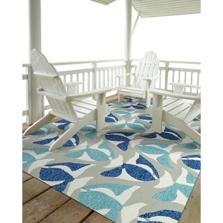 Indoor/Outdoor Beachcomber Seafish Blue Rug (5' x 7'6)