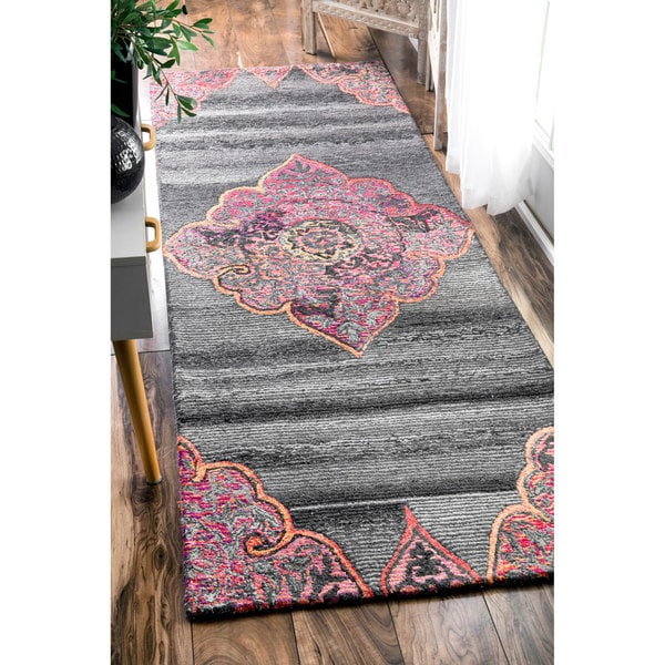 Shop Nuloom Handmade Medieval Medallion Grey Runner Rug 2