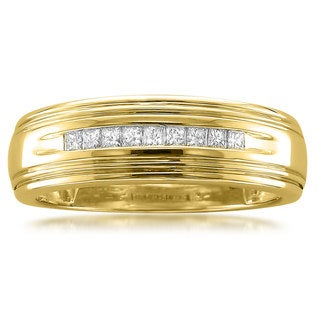 Montebello Jewelry 14k Yellow Gold Men's 1/4ct TDW Diamond Wedding Band
