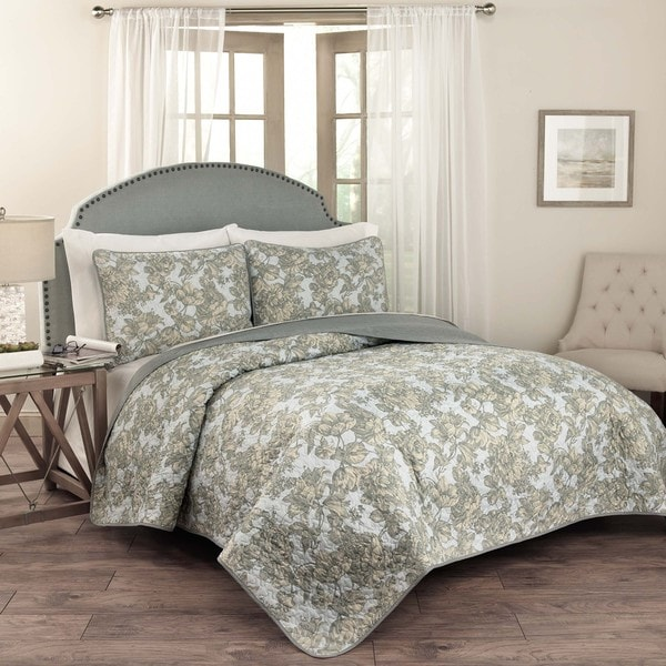 Traditions by Waverly Tulip Toile 3-Piece Quilt Set