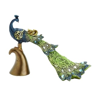 Victorian-Themed Fancy Peacock Decor