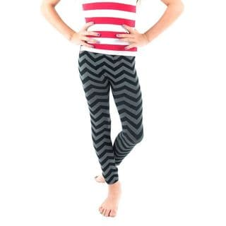 Soho Kids Black Chevron/ Snowflake Pattern Leggings