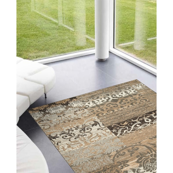Confort Beige Distress Patchwork Rug (2'0 x 3'7)