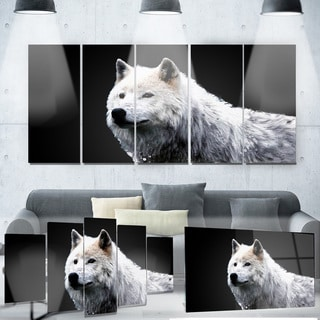 Designart 'Wonder of the Wolf' Animal Metal Wall Art