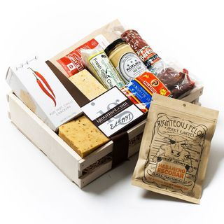igourmet Spicy Gourmet Meat and Cheese Gift Crate