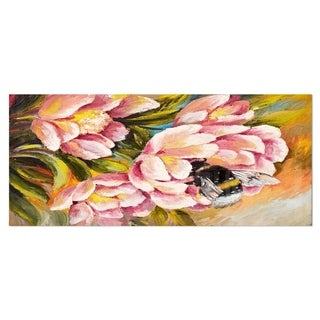 Designart 'Bee Sitting on Flower' Floral Metal Wall Art