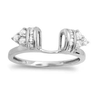 Elora 14k White Gold 1/2ct TDW Round and Baguette Diamond Anniversary Ring (H-I, I1-I2)
