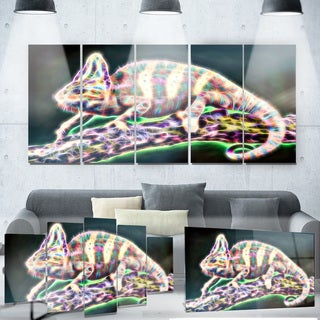 Designart 'Chameleon Life' Metal Wall Art