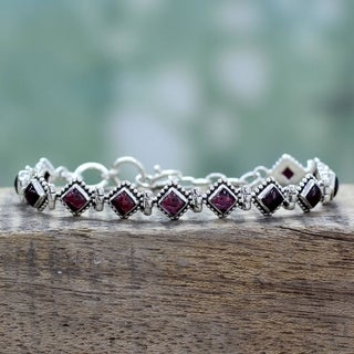 Handmade Sterling Silver 'Deep Red Diamonds' Garnet Bracelet (India)