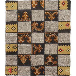 eCarpetGallery Handmade Moldovia Duo Patch Beige Wool Kilim Rug (3'6 x 4')