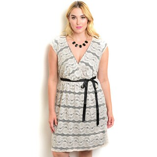 Shop the Trends Women's Plus Size Black and Beige Spandex and Polyester Sleeveless Dress