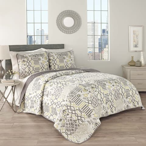 Traditions by Waverly Spring 3-piece Quilt Set