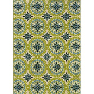 Green and Ivory Outdoor Area Rug (7'10 x 10'10) (As Is Item)