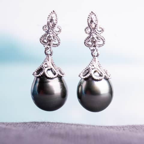 Miadora 14k White Gold Tahitian Black Pearl and 1/10ct TDW Diamond Vintage Drop Earrings (G-H, SI1-SI2) (9-9.5 mm)