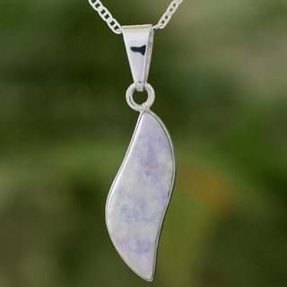 Handmade Sterling Silver 'Floating in the Breeze' Jade Necklace (Guatemala) - Grey
