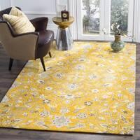 Safavieh Handmade Bella Gold/ Taupe Wool Rug - 5' x 5' square