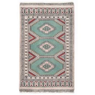 Herat Oriental Pakistani Hand-knotted Bokhara Green/ Ivory Wool Rug (2'1 x 3'5)