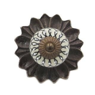Black Leaf Embossed Knobs and Back Plates (Pack of 6)