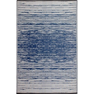 Fab Habitat Indo Revesible Brooklyn Blue Recyled Plastic Area Rug (4' x 6')