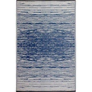 Fab Habitat Indo Revesible Brooklyn Blue Recyled Plastic Area Rug (3' x 5')