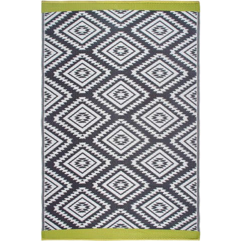 Handmade Valencia Grey Indoor/Outdoor Recycled Plastic Rug (India) - 6' x 9'
