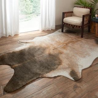 """Alexander Home Faux Cowhide Tan/ Dark Brown Area Rug - 6'2"""" x 8'"""