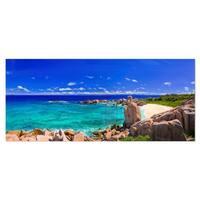 Designart 'Tropical Beach Panorama' Seascape Photo Metal Wall Art