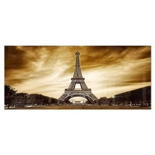 Designart 'Eiffel Tower in Grey Shade' Landscape Photo Metal Wall Art