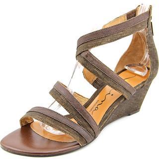Nina Women's 'Nadja' Brown Synthetic Mid-heel Sandals