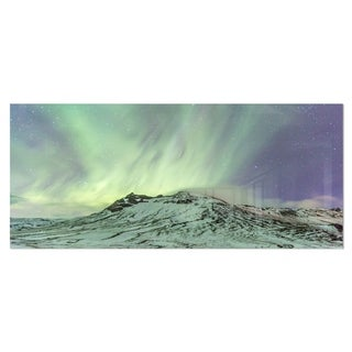 Designart 'Northern Light in Iceland' Landscape Photo Metal Wall Art
