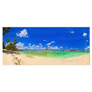 Designart 'Tropical Beach with Green Sea' Landscape Photo Metal Wall Art