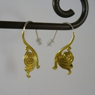 Spirit Tribal Fusion Palm Frond Swirl Dangle Earrings (Bali)